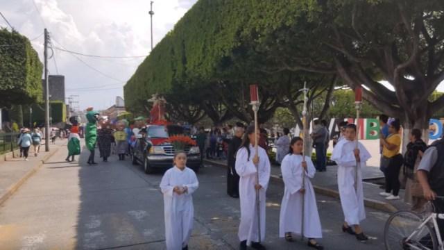 En Acámbaro, Guanajuato, cientos de fieles llevaron sus automóviles para que sean bendecidos, 26 julio 2019