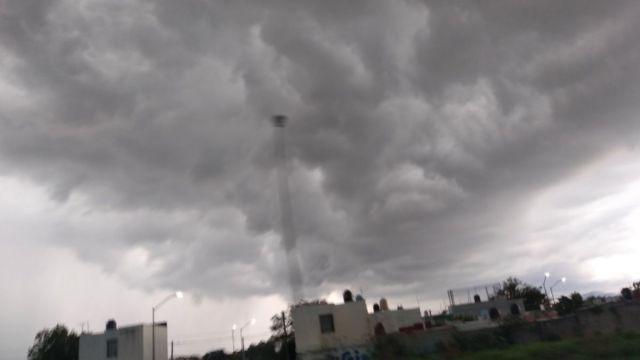 Lluvia en la ciudad de Colima. Twitter/@Griceld92095449