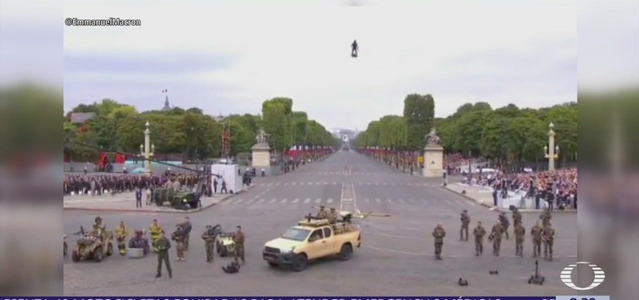 Franky Zapata 'El soldado volador', sorpresa en desfile de la Bastilla