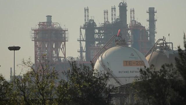 Imagen: La refinería estaría construida, en su mayoría, con materiales mexicanos, 26 de julio de 2019 (Getty Images, archivo)