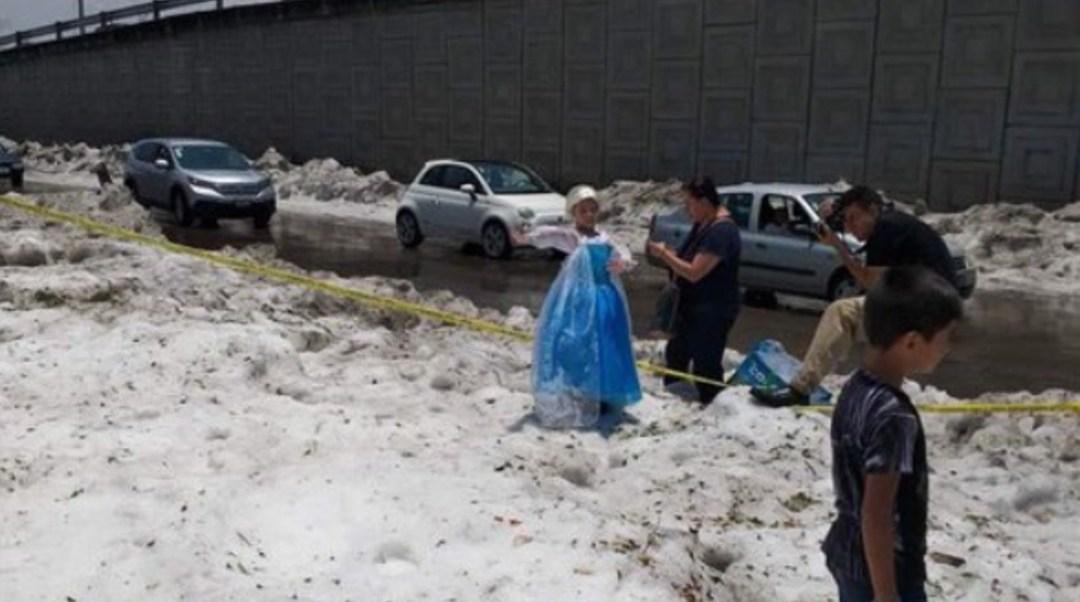 FOTO Granizada en Guadalajara afecta autos y casas (Twitter)