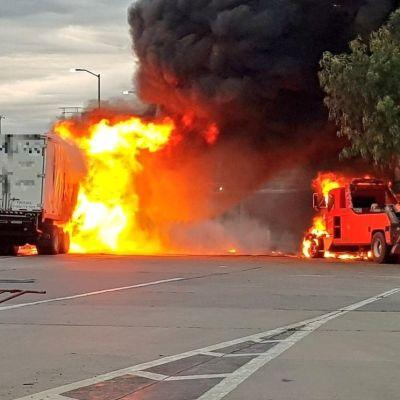 Se incendian camión y grúa tras choque en la México-Puebla