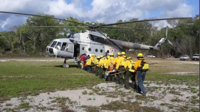 Foto: En el combate al fuego se utiliza un helicóptero MI-17 de la Fuerza Aérea Mexicana, 20 de julio de 2019 (Twitter @CONAFOR)