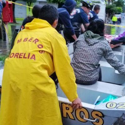 Lluvia provoca inundación en Morelia, Michoacán