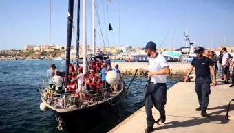 Foto: Inmigrantes en las costas de Italia, 6 de julio de 2019 (EFE)