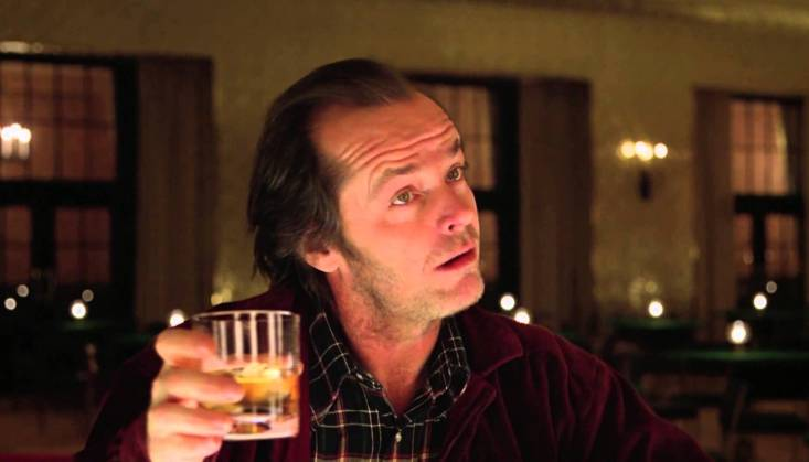 Jack Nicholson interpretando a Jack Torrence en The Shining (1980). (@NochesDeCineyTV)