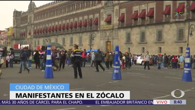 Manifestación de antorchitas en Palacio Nacional
