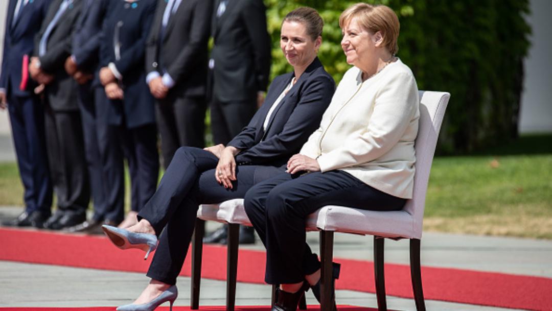 Foto: La canciller alemana, Angela Merkel (d), y la primera ministra danesa, Mette Frederiksen (i), 11 julio 2019