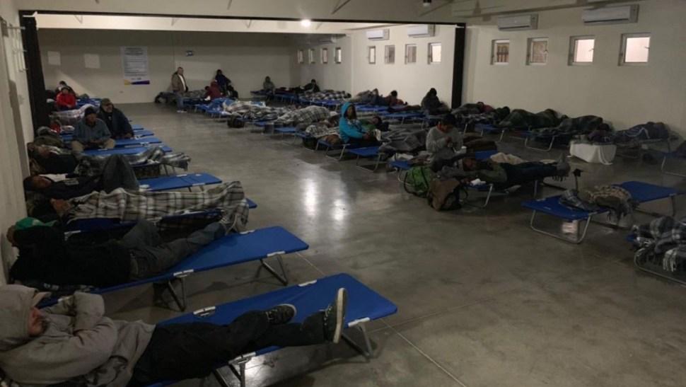 Foto: Un grupo de migrantes viven en un albergue en México, 14 julio 2019