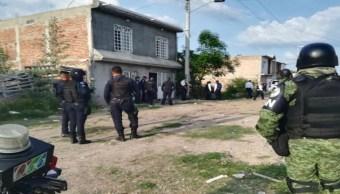 Foto: Al menos 24 migrantes centroamericanos son rescatados de una casa de seguridad en la colonia Prados del Naranjal, Guanajuato, julio 6 de 2019 (Twitter: @diario1_sv)