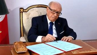 FOTO Muere presidente de Túnez, Beji Caid Essebsi (AP)