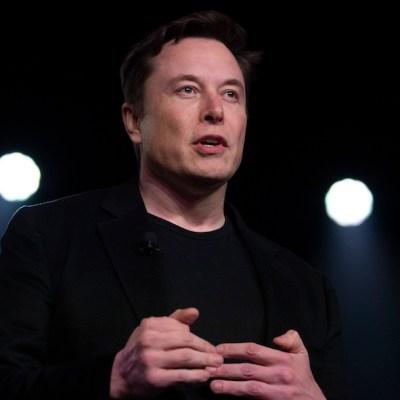 Elon Musk quiere conectar tu mente con tu computadora, solo basta con implantar un chip en tu cerebro