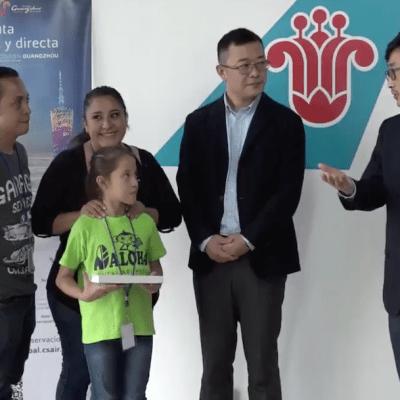 Aerolínea china paga boleto a niña mexicana para ir a competencia de Aritmética