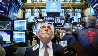 Foto: Los comerciantes trabajan en el piso de la Bolsa de Nueva York (NYSE) en Nueva York, EU, 1 de julio de 2019 (Reuters)