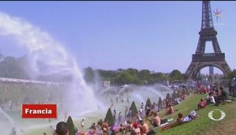 Foto: París rompe dos veces récord de temperaturas este jueves