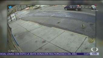 Patrulla presencia choque y lo ignora en alcaldía Venustiano Carranza