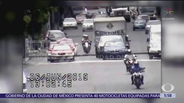 Policías detienen a dos presuntos asaltantes en CDMX