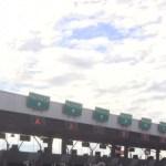 FOTO Policías federales se manifiestan en autopista México-Pachuca, permiten paso libre a conductores (Twitter, archivo)