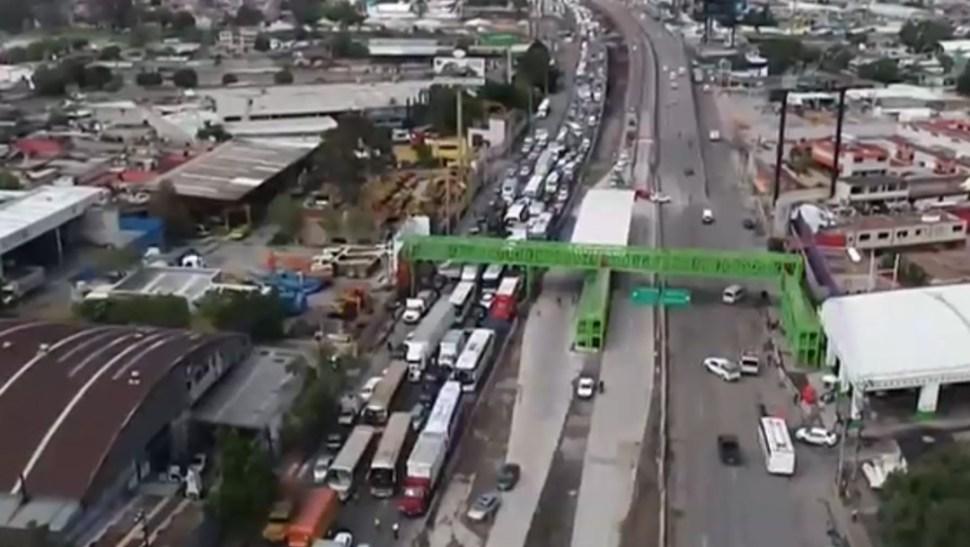 FOTO Policías federales se manifiestan y bloquean autopista México-Pachuca (FOROtv)