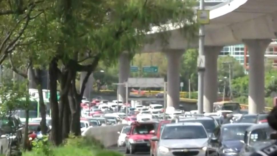 FOTO Policías federales bloquean Periférico Sur CDMX, rechazan a unirse a Guardia Nacional (FOROtv)