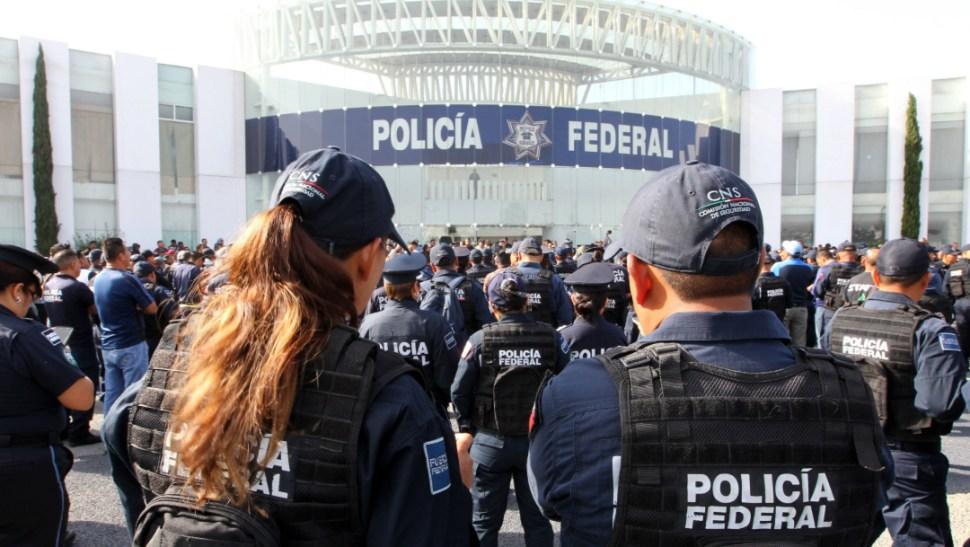 FOTO Es mentira acuerdo del Gobierno con Policía Federal, dice abogado (EFE)