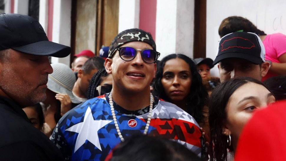 Puerto Rico: Paro histórico para exigir renuncia de Roselló concluye en jornada violenta