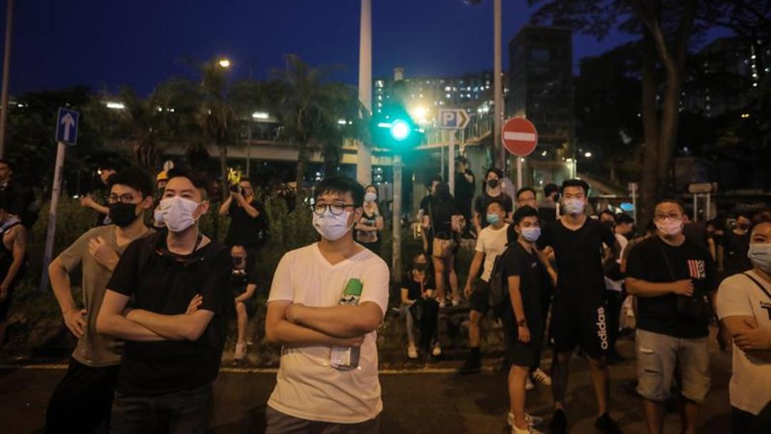 Foto: Unas 20.000 personas se reunieron en Sheung Shui para mostrar su descontento contra los comerciantes de la China continental, 13 de julio de 2019 (AP)