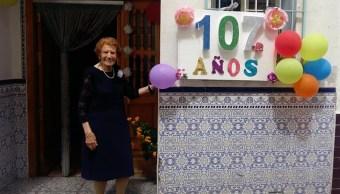 Foto mujer de 107 años visita a enfermos y junta donaciones para los pobres 8 julio 2019