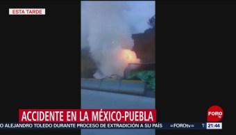 Foto: Tráiler Choca Contra Auto Se Incendian Mexico Puebla 19 Julio 2019