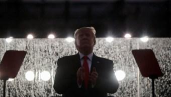 Trump dice que EEUU plantará su bandera en Marte muy pronto