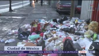 Vecinos vuelven a tirar basura frente a parque en Arcos de Belén