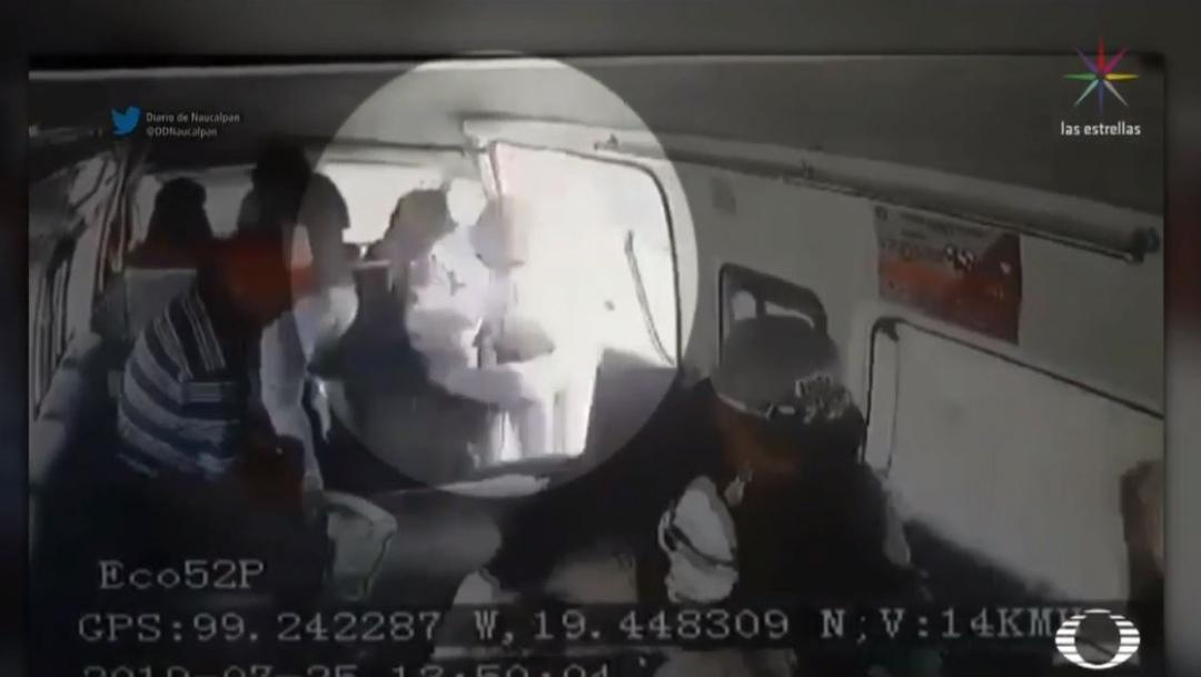 Foto Hombre salta de combi para evitar asalto en Naucalpan 29 julio 2019