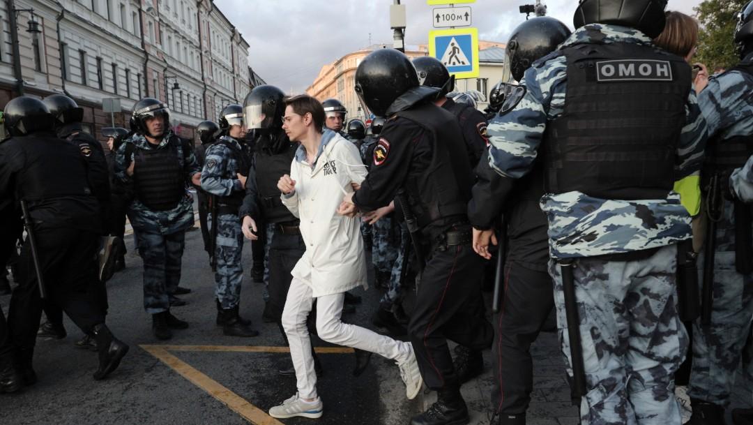 Foto: OVD-Info, un organismo de monitoreo, dijo que 146 personas fueron arrestadas en la manifestación del sábado en Moscú y 86 en San Petersburgo, 10 de agosto de 2019, (AP)