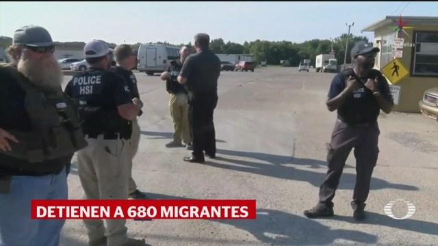 Foto: Arrestan 680 Migrantes Redada Masiva Procesadora Misisipi 7 Agosto 2019