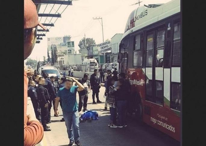 Hombre muere atropellado por Mexibús.