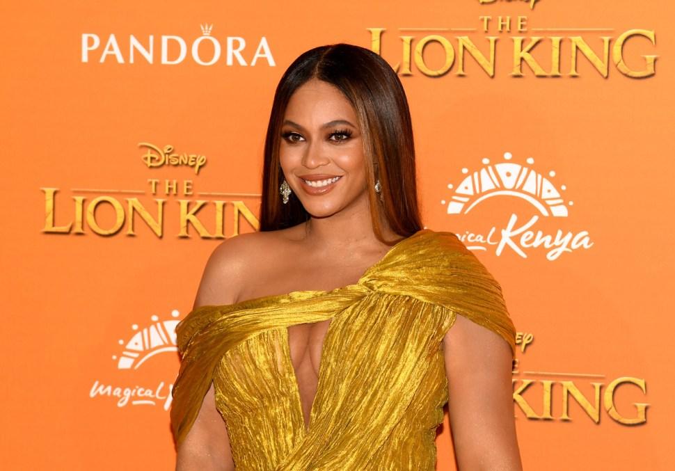 Beyoncé en Londres, Inglaterra, durante la premiere de 'El Rey León', película a la que prestó su voz como Nala, y de la cual, realizó el soundtrack. (Gareth Cattermole/Getty Images)