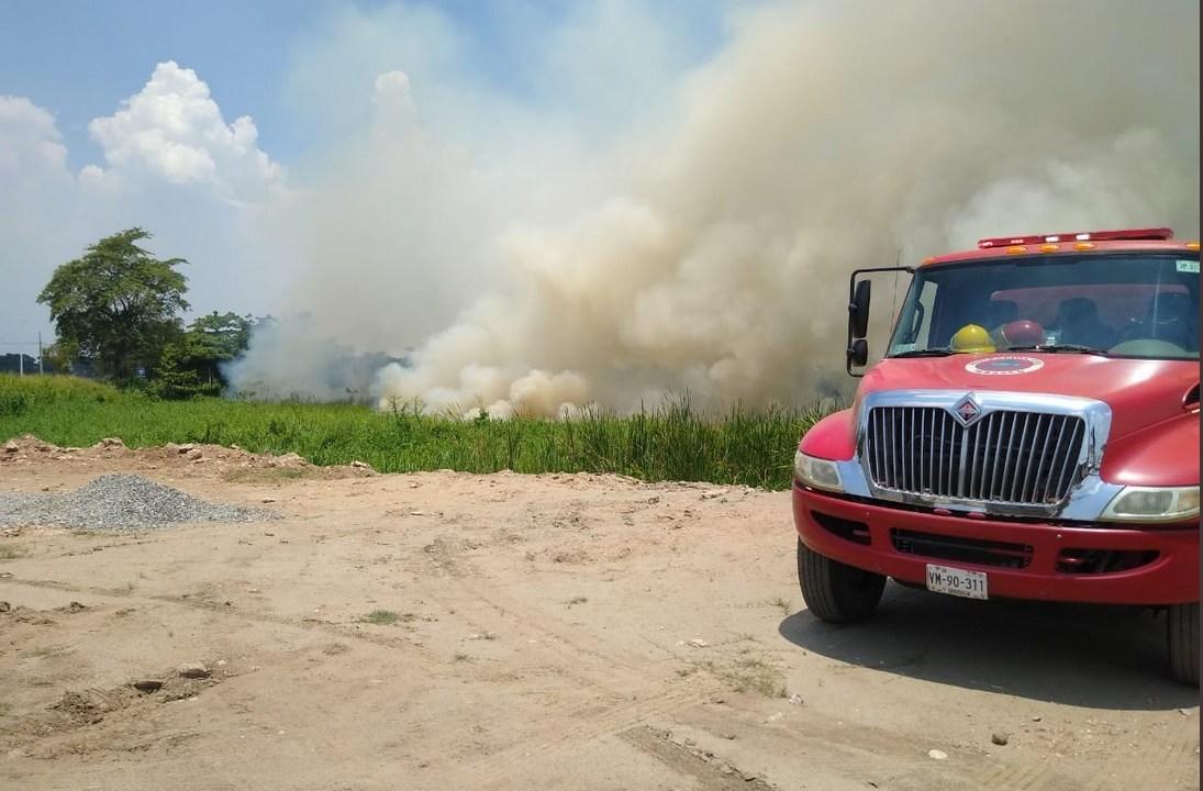 Bomberos atienden incendio en Tabasco