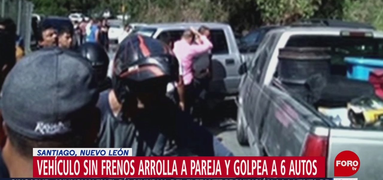 FOTO: Camioneta Sin Frenos Arrolla Pareja Santiago Nuevo León
