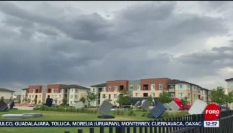 Colchones vuelan por fuerte viento en Colorado, EU