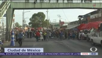 Comerciantes realizan bloqueo frente al mercado de San Juan
