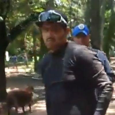 Video: Supuesto entrenador asfixia perro en el Parque México