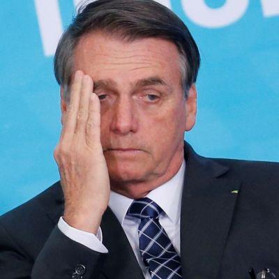 Bolsonaro insinúa que ONGs provocan incendios en la Amazonía