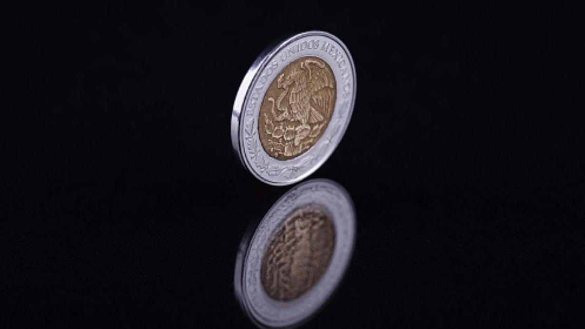 Foto: Una moneda de un peso mexicano. Getty Images/Archivo