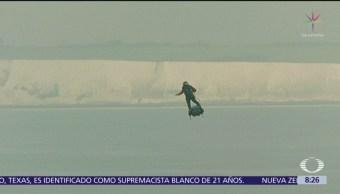Franky Zapata logra cruzar el Canal de la Mancha en flyboard