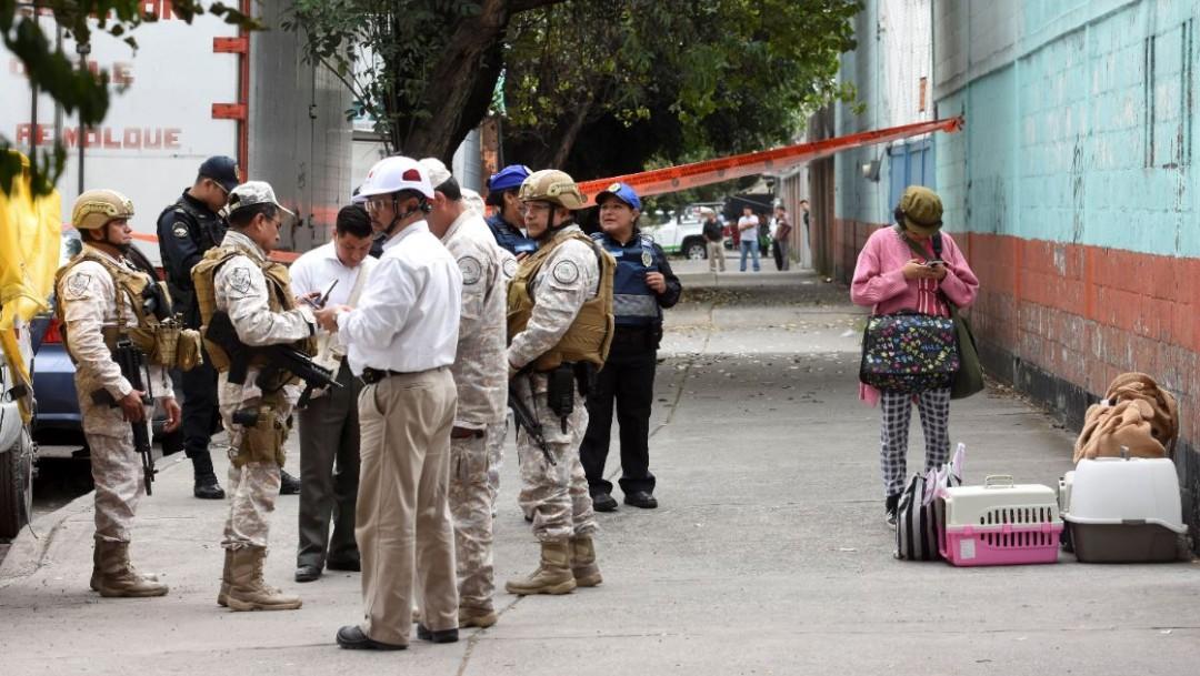 Foto: Las autoridades amplían el cerco de vigilancia 50 metros en la alcaldía Iztacalco tras toma clandestina, el 24 de agosto de 2019 (Cristian Hernández /Cuartoscuro.com)