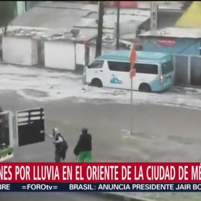 Lluvias provocan inundaciones en la calzada Zaragoza, CDMX