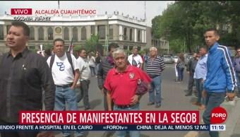 Manifestantes instalan plantón en inmediaciones de la Segob