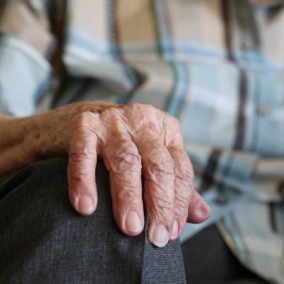 Violan a abuela de 70 años en Iztapalapa y muere tras ser hallada por su hijo