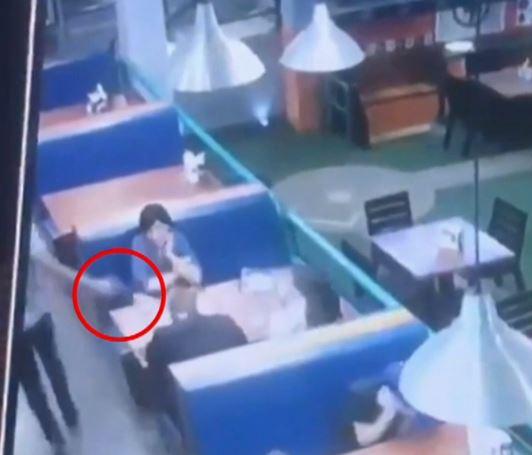 VIDEOS: Asesinan a hombre dentro de restaurante en Hermosillo, Sonora