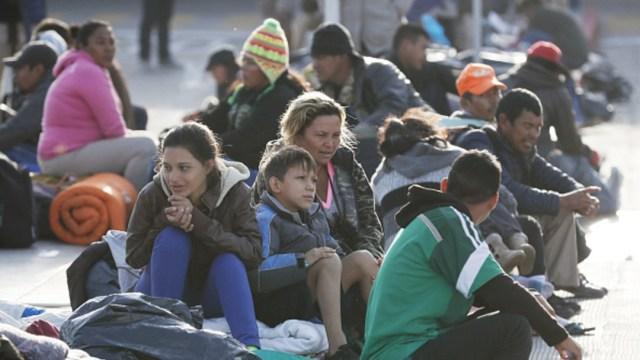 Deportan sueño americano a 110 migrantes salvadoreños